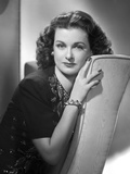 Joan Bennett on a sitting and Leaning Pose Photo by  Movie Star News