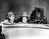 Abbott & Costello Riding a Car with a Bear Photographie par  Movie Star News