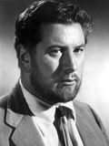 Peter Ustinov Posed in Black and White Photo by  Movie Star News
