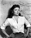 Donna Reed Leaning with Hands on Waist Photo by  Movie Star News