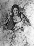 Elizabeth Taylor smiling in Ball Dress Photo by Bob Penn