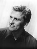 Kirk Douglas Side View Pose in Black Suit Photo by  Movie Star News