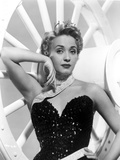 Jane Powell on a Sequin Dress and Leaning Photo by  Movie Star News