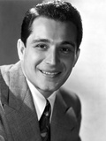 Perry Como smiling in Nice Suit Portrait Photo by  Movie Star News