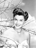 Esther Williams smiling in White Dress Photo by  Movie Star News