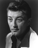 Robert Mitchum Posed with Cleft Chin Photo by  Movie Star News