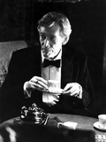 Peter O'Toole in Black Suit With Cap Photo by  Movie Star News