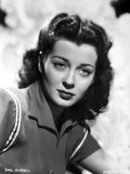 Gail Russell Posed in Collared Shirt Photo by  Movie Star News