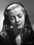 Martha Vickers Portrait wearing Veil Photo by  Movie Star News