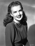 Gale Storm smiling in Long Sleeves Photo af Movie Star News