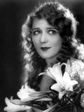 Mary Pickford Carrying a Flowers Photo by  Movie Star News