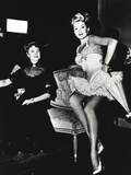 Lana Turner sitting in Couch Photo by  Movie Star News
