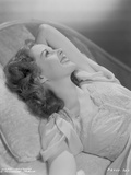 Susan Hayward Posed in a Couch Photo by  Movie Star News