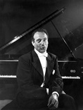 Victor Borge in Black Suit Photo by  Movie Star News