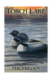 Torch Lake, Michigan - Loons at Sunset Posters par  Lantern Press