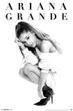Ariana Grande- Honeymoon 写真