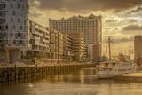 Germany, Hamburg, Hafencity, 'Magellan-Terrassen', 'Sandtorkai', 'Sandtorhafen' (Harbour Photographic Print by Ingo Boelter