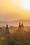 Sunrise over Ancient Temples of Bagan, Myanmar Reproduction photographique par Harry Marx