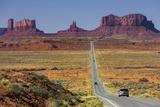 Stagecoach, Brighams Tomb, Road 163, Monument Valley, Navajo Tribal Park, Utah, Usa Impressão fotográfica por Rainer Mirau