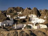 Spanien, Andalusien, Guadix, HvHlenwohnungen, Ansicht, Nahe Granada, HvHlenstadt Photographic Print by  Thonig