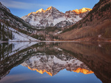 Maroon Bells Alpenglow Reproduction photographique par  Darren White Photography