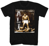 Muhammad Ali- Knockdown In The Ring T-shirts