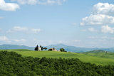 The Chapel of Our Lady of Vitaleta, Val D'Orcia, UNESCO World Heritage Site, Tuscany, Italy, Europe Fotografisk tryk af Oliviero Olivieri