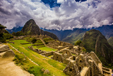 Machu Picchu Incan Ruins, UNESCO World Heritage Site, Sacred Valley, Peru, South America Papier Photo par Laura Grier