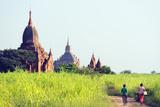 South East Asia, Myanmar, Bagan, Temples on Bagan Plain Papier Photo par Christian Kober