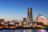 Asia, Japan, Honshu, Yokohama Bay, City Skyline and Mt Fuji, Landmark Tower Fotografisk tryk af Christian Kober