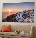 Sailing into the sunset, Oia, Greece Posters av Nick Jackson