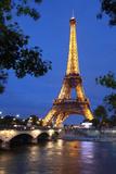 Eiffel Tower 3 Fotografie-Druck von Chris Bliss