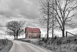Springs Barn and Road BW Fotografisk trykk av Bob Rouse