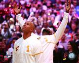 Richard Jefferson & LeBron James watch Cleveland Cavaliers championship banner raised on 10/25/16 Photo