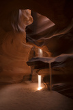 A Shaft of Warm Light Captured in the Antelope Canyon, Arizona Fotografisk tryk af Chad Copeland