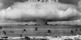 A Nuclear Weapon Test by the American Military at Bikini Atoll, Micronesia Fotoprint av Stocktrek Images,