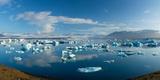 Icebergs in Jokulsarlon Lagoon, Beneath Breidamerkurjokull Glacier, Sudhurland, Iceland Photographic Print by Gareth McCormack