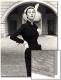 Anne Gunning in a Velveteen Evening Coat, 1952 Posters par John French