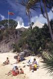 July 1973: Beach Goers in Bermuda Fotografisk tryk af Alfred Eisenstaedt
