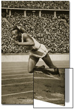 Jesse Owens at the Start of the 200m Race at the 1936 Berlin Olympics Posters