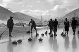 Curling in Davos, 1920s Photographic Print by Scherl Süddeutsche Zeitung Photo