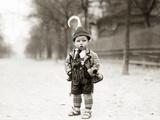Child in Vienna, 1909 Photographic Print by Scherl Süddeutsche Zeitung Photo