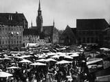Historic Munich: Viktualien Market around 1890. Photographic Print by Scherl Süddeutsche Zeitung Photo