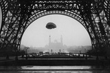 Experiments with a Parachute on the Eiffel Tower, 1913 Photographic Print by Scherl Süddeutsche Zeitung Photo