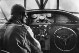 Pilot in a Cockpit of a Passenger Airplane by Fokker, 1926 Fotoprint av Scherl Süddeutsche Zeitung Photo