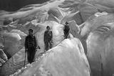 Crossing of a Glacer at the Jungfrau Area, 1929 Papier Photo par  Süddeutsche Zeitung Photo