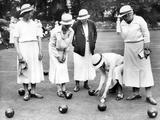 English Women Playing Bowls, 1936 Fotografisk tryk af Scherl Süddeutsche Zeitung Photo