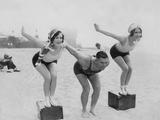 Scherl Süddeutsche Zeitung Photo - Joan Crawford and Dorothy Sebastian at the Swimming Lessons, 1927 - Fotografik Baskı