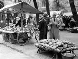 Market in Muenster, 1935 Photographic Print by  Süddeutsche Zeitung Photo