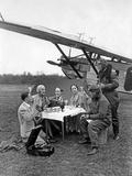 Scherl Süddeutsche Zeitung Photo - Air Travelers During a Break Next to an Airplane, 1930 - Fotografik Baskı